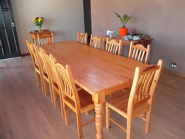 10 Seat Dining Set